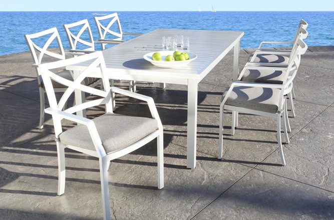 Edge Dining Cast Aluminum Patio Furniture