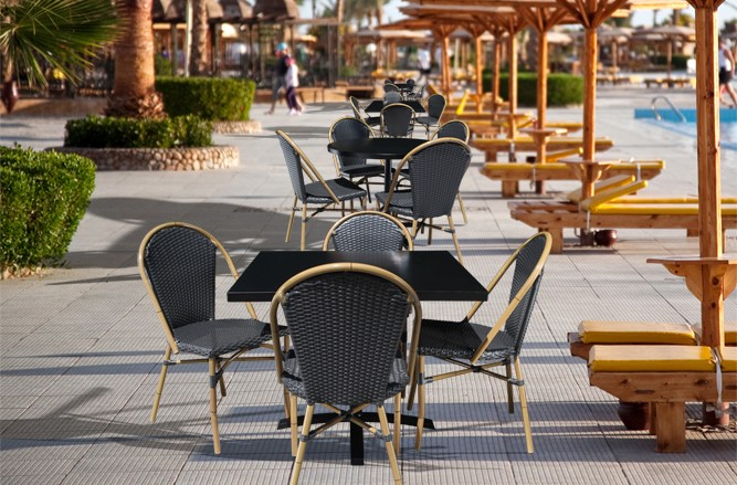 Commercial Restaurant Patio Furniture - Outdoor Wicker Bay Patio Chair With a Modern Design