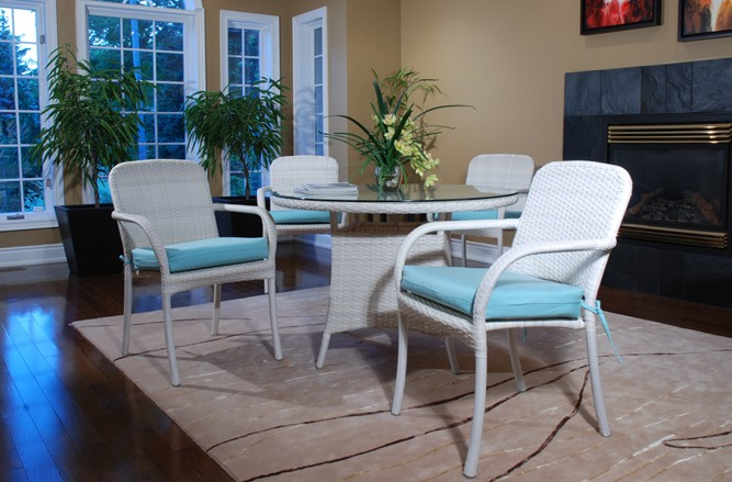 Venrura Dining Wicker Patio Furniture