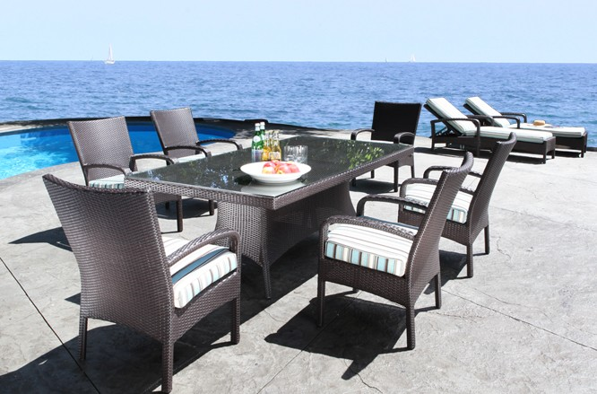 Outdoor Wicker Patio Furniture - Solano Dining Table with a Modern Design